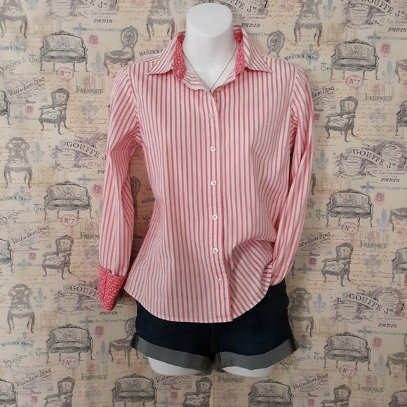 Vineyard Vines Tops - Vineyard Vines* striped buttons down shirt size 6